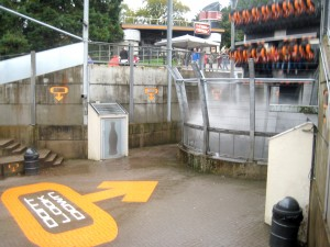Alton Towers - Oblivion 'Don't look down!'